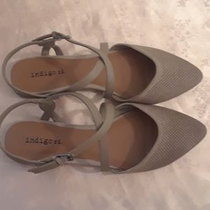 Size 6.5 Indigo rd. Sling Back Sandals